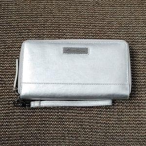 Kenneth Cole Faux Leather wristlet wallet clutc…